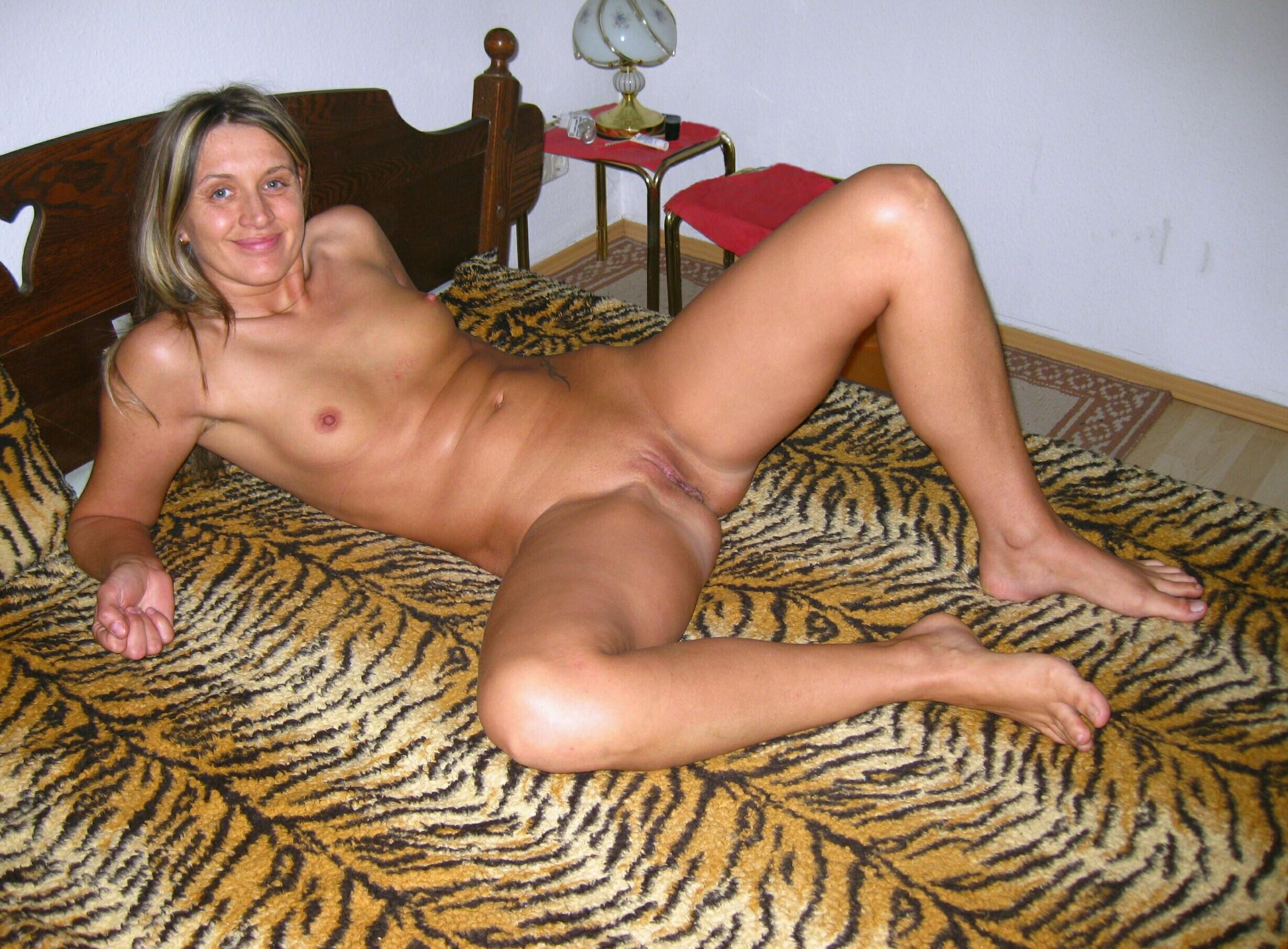 Amateur german girls naked