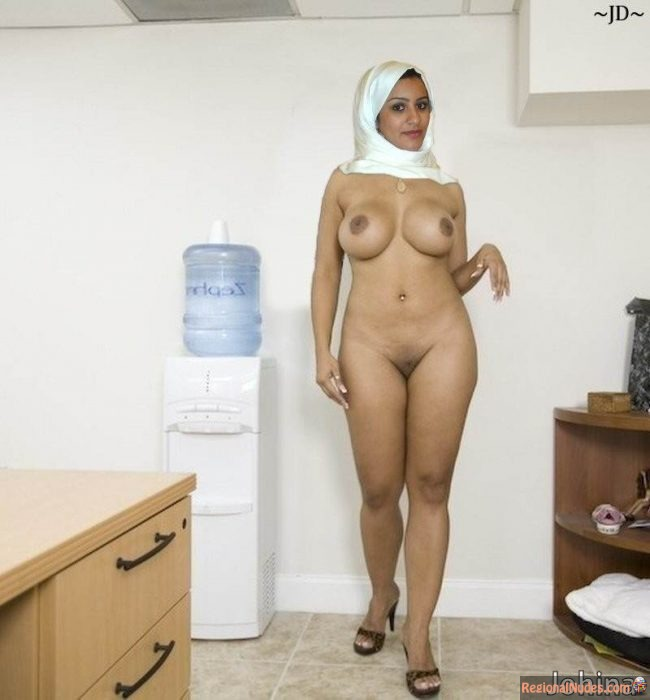 Hot Naked Muslim Woman from Kuwait