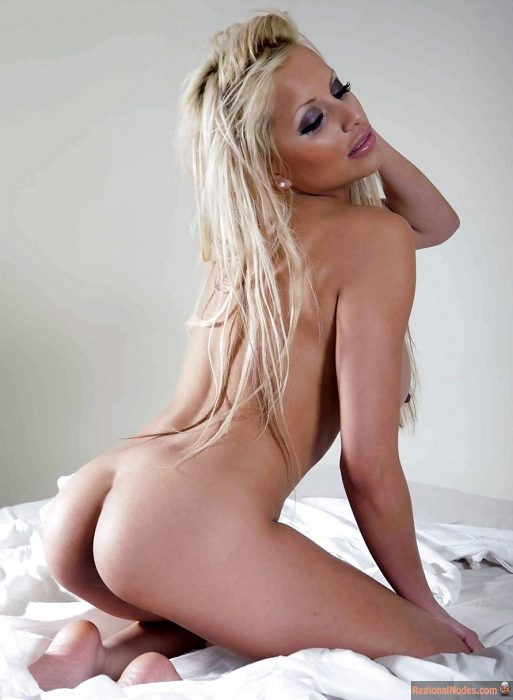 Norwegian Naked Hottie Showing Butt
